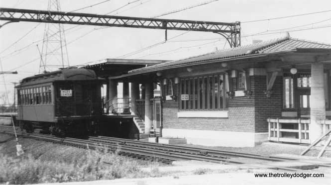 A Niles Center car at Main Street in Skokie. (George Trapp Collection)