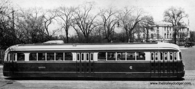 CSL 4033 passes the Garfield Park field house on Madison in 1938.
