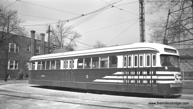 CSL 4024 at the Madison-Austin loop on October 14, 1946. Note the modified trolley shroud on this car.