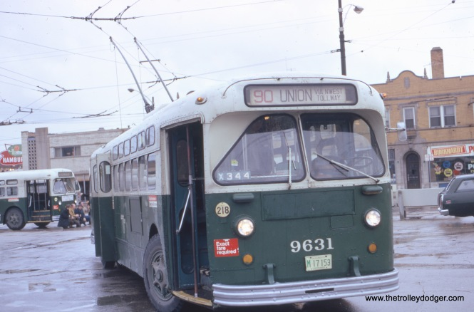 Fullerton at Parkside, April 1, 1973. This bus turnaround has since been removed.