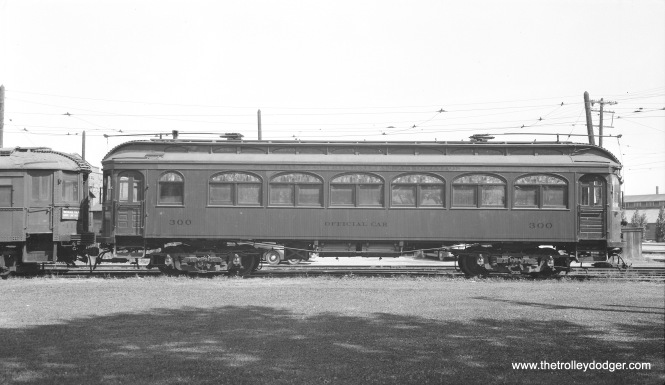 North Shore Line car 300, during its days as the official club car of Central Electric Railfans' Association, in August 1941. At left is diner 414, which was out of service at the time. It was motorized and returned to service as a coach in 1942.