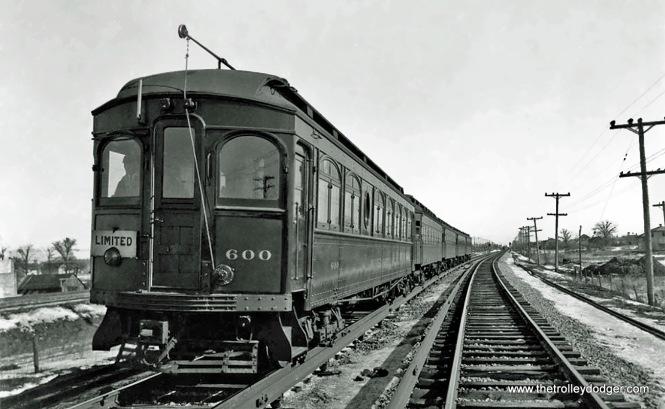Car 600 (ex-305).