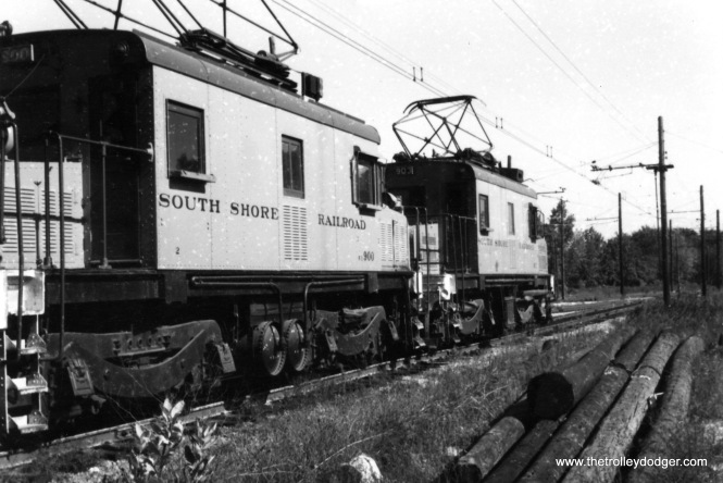 Two 900-series South Shore Line freight locos in October 1960.