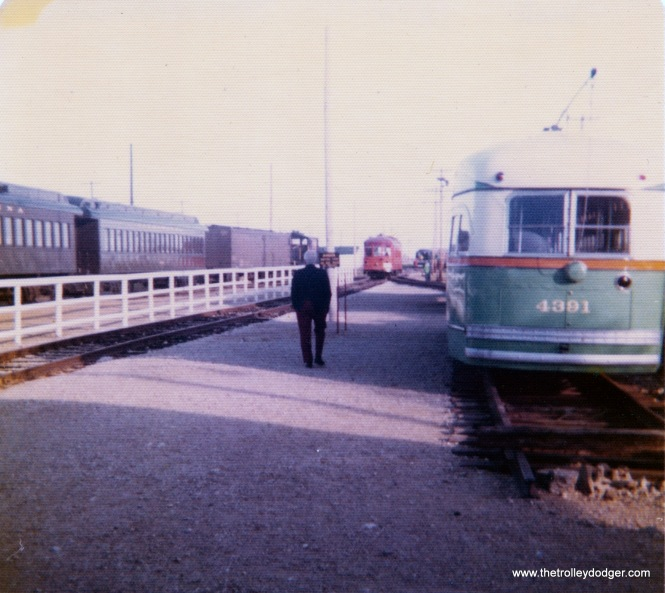Chicago postwar PCC 4391 at IRM in September 1975.