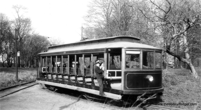 Car 25 at the Junction station on April 13, 1946. (Major G. F. Cunningham Photo)