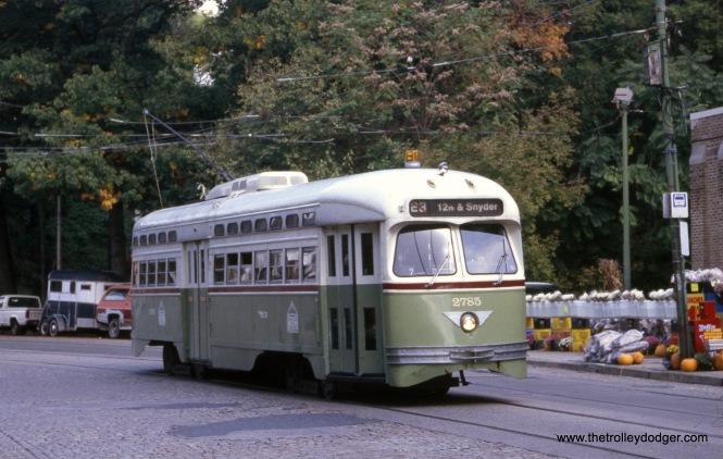 SEPTA 2785 in November 2002.