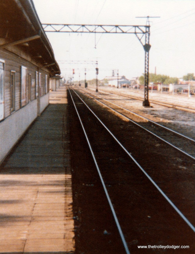 Looking north along the northbound track at Kensington station in 1975.