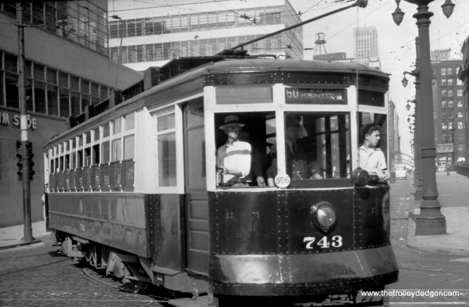 CTA 743 at Clinton and Adams on Route 60 in May 1948.