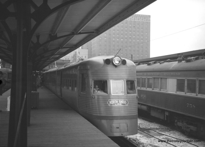 One of the two brand-new North Shore Line Electroliners at the Milwaukee terminal in June 1941.