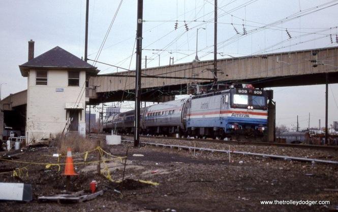Photo 21. AEM-7 #909 at HUNTER Tower, Newark, NJ. 2-16-97.