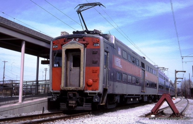 Metra Electric Highliner #224 at the Vermont Avenue Station, Blue Island IL 3-25-03.