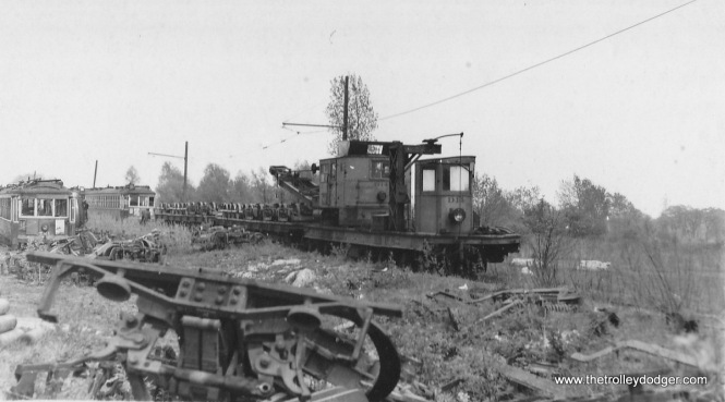 TM 600s and 700s being scrapped at the Waukesha gravel pit in 1949. (Ed Wilson photo)