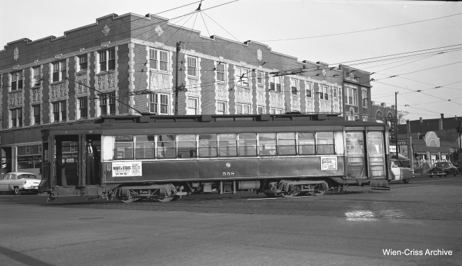 CTA Pullman 558, turning onto Ashland from Irving Park Road on May 19, 1953. (Robert Selle Photo, Wien-Criss Archive)