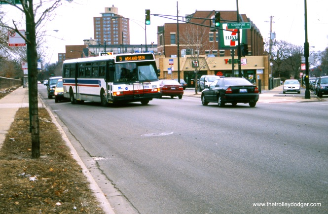 CTA bus 6286 is turning from Clark onto Southport in April 2008. This is the north end for Route 9 - Ashland. (John J. Le Beau Photo, William Shapotkin Collection)