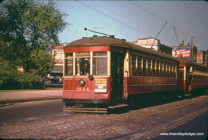 CSL 1644 is on Route 6 at Division and California in May 1942. The Divison and Van Buren car lines were through-routed starting in 1937.