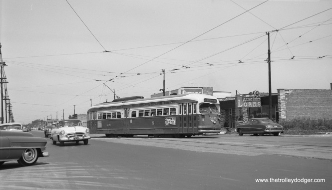 CTA PCC 4376 is turning into the loop at 79th and Western, south end of Route 49, on July 19, 1954. (Robert Selle Photo)