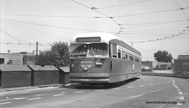 CTA 4393 is at the 79th and Western loop, south end of Route 49, on July 19, 1954. (Robert Selle Photo)