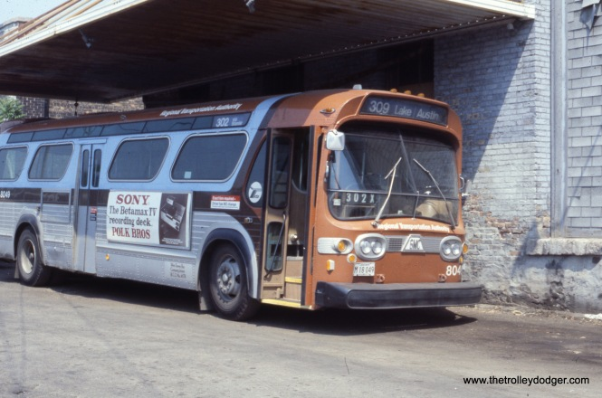 RTA 8049 at the West Towns garage in Oak Park on May 28, 1978. This is now the site of a Pete's Fresh Market. (Ronald J. Sullivan Photo)