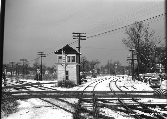 This is 91st St Tower in November 1949 -- protecting the PRR/ROCK Xing on the ROCK's Suburban (now Beverly) Branch. The tracks heading off to the upper right are the ROCK. Tracks heading off to the upper left are the PRR.