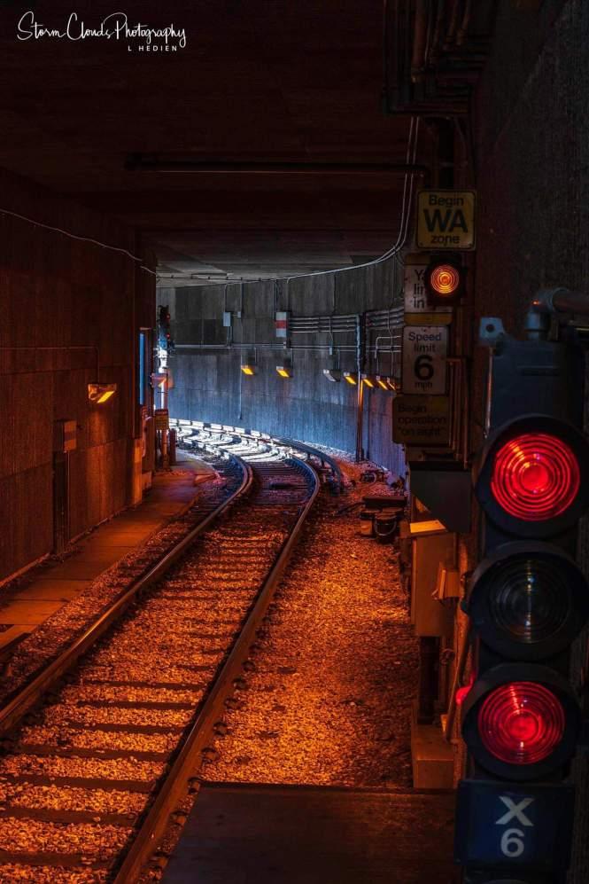-train tunnel just north of Linden Av Wilmette