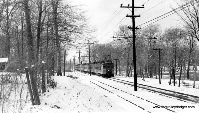 An 8-car train at Lake Park in Fall 1940.