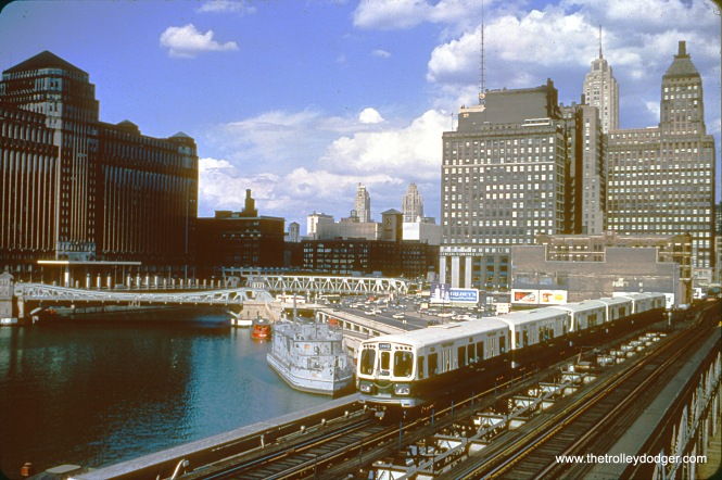 CTA 2067-2068 head up a westbound Lake Street train in June 1965.