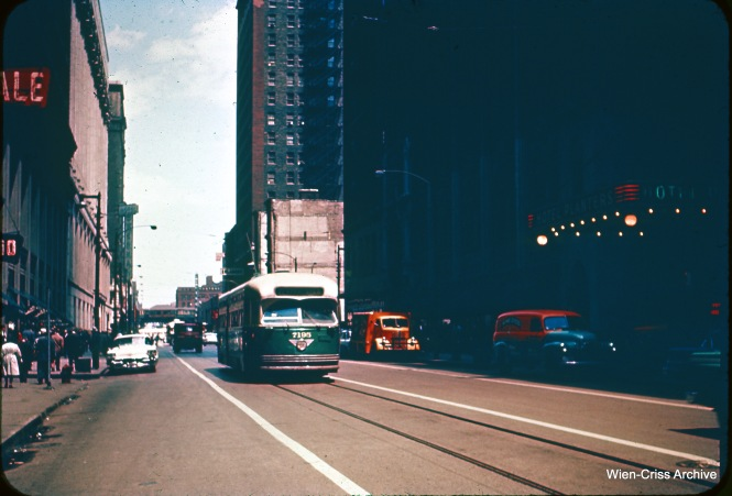 CTA 7195 is southbound on Clark at Washington. (Heier Industrial Photo, Wien-Criss Archive)