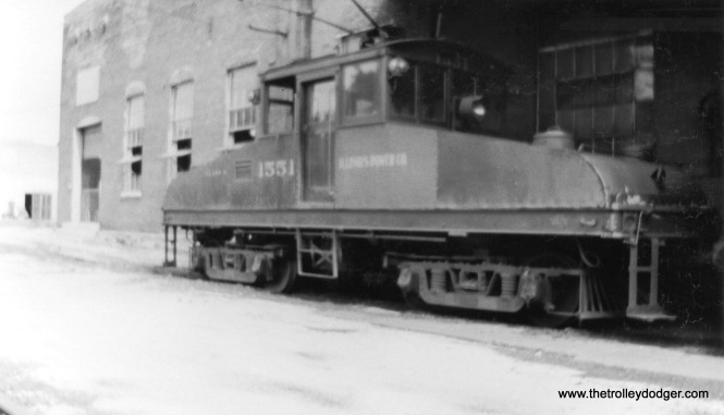 A fuzzy picture of Illinois Power Company loco #1551.
