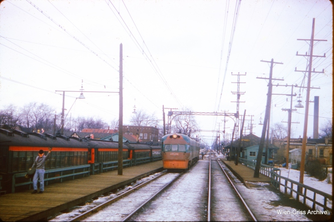 A North Shore Line Electroliner at Edison Court on February 17, 1962. (Wien-Criss Archive)