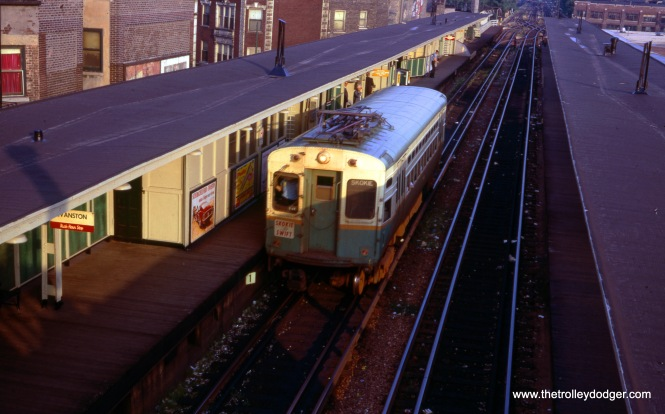 A Skokie Swift single-car unit at Howard in December 1968.