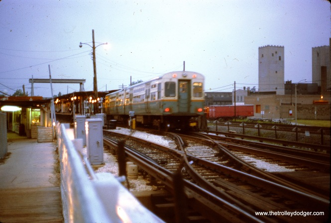 The CTA DesPlaines Avenue terminal in August 1970. The towers at right have since been demolished.