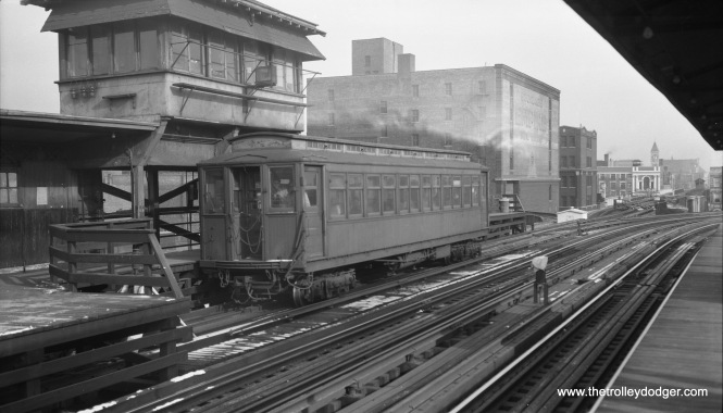 "CTA Met car 2907 is at Indiana Avenue, running the Kenwood shuttle on the last day of service, November 30, 1957 (also the last day for regular passenger service for wooden ""L"" cars)."