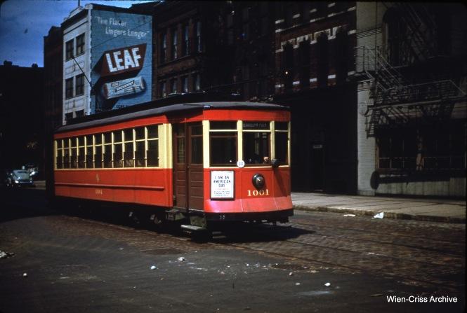 CTA 1001 at Wells and Hubbard on May 14, 1950.