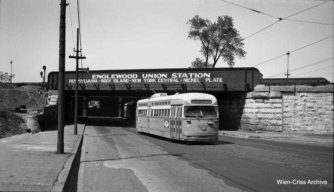 CTA PCC 4208 is southbound on State Street at 64th, just a few blocks south of where car 7078 was involved in a horrific crash with a truck on May 25, 1950. (Wien-Criss Archive)
