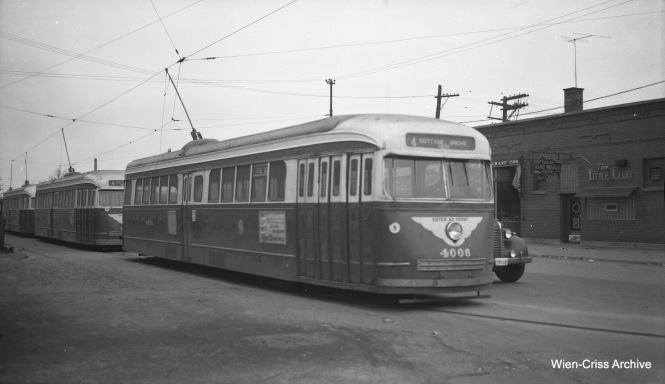 CTA prewar PCC 4008 is at Cottage Grove and 115th, south end of Route 4. (Wien-Criss Archive)