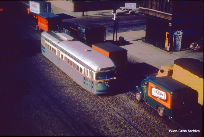 CTA 4393 is on Western at 21st on July 6, 1950. (Wien-Criss Archive)