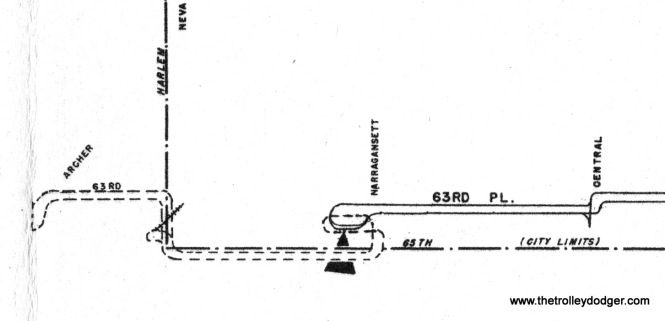 This portion of the 1952 CTA track map shows the arrangement used between 1948 and 1953. The dotted line indicates the bus route used west of Narragansett.