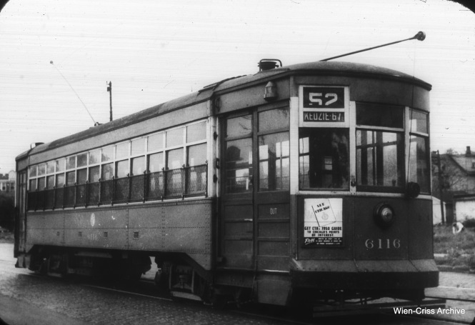 CTA 6116 on the Kedzie Avenue line. This car was built by Brill in July 1914. (William C. Hoffman Photo, Wien-Criss Archive)
