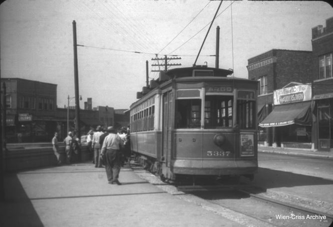 Again on August 10, 1947, CSL 5337 is operating as the Argo shuttle car, and is shown here at the west end of the route at 63rd and Archer. (William C. Hoffman Photo, Wien-Criss Archive)