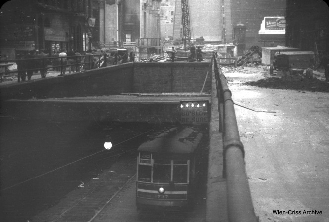 One-man CTA streetcar 1737 enters the Washington Street tunnel from Franklin Street in 1950. As you can see, the bridge over the Chicago River is up. (William C. Hoffman Photo, Wien-Criss Archive)