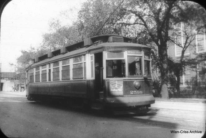 "CSL 2598 on 111th Street at Cottage Grove. Don's Rail Photos notes, ""2598 was built by St Louis Car Co in 1901. It was retired on August 1, 1947."" (William C. Hoffman Photo, Wien-Criss Archive)"