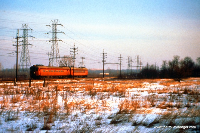 SSL cars 107 and 40 (train 12) near Lake Shore at speed on December 26, 1963. (John D. Horachek Photo, William Shapotkin Collection)