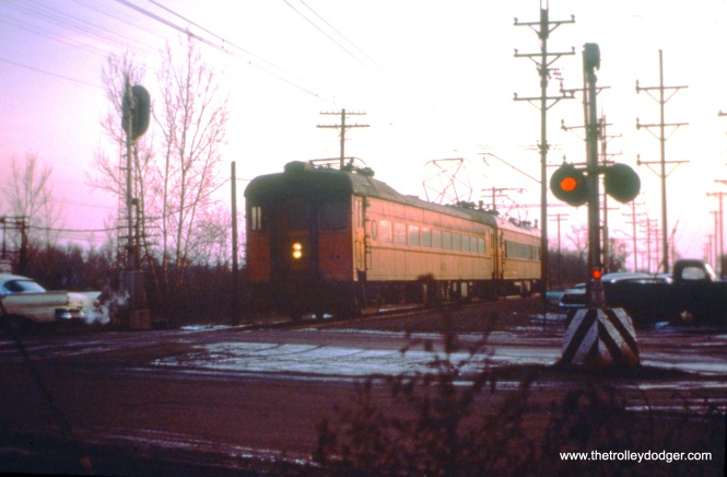 SSL cars 24 and 39 (train 204) at Ogden Dunes on December 26, 1963. (John D. Horacheck Photo, William Shapotkin Collection)