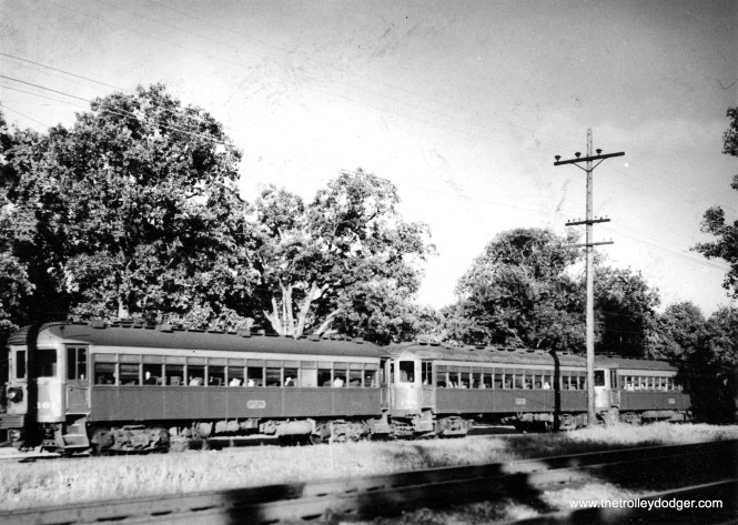 Three North Shore Line cars, including 161. (S. K. Bolton, Jr. Photo)