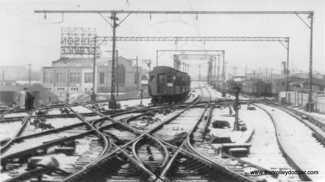The view looking north from Howard Street in 1930. The North Shore Line's Skokie Valeey Route is at left. Straight ahead leads to Evanston and Wilmette.