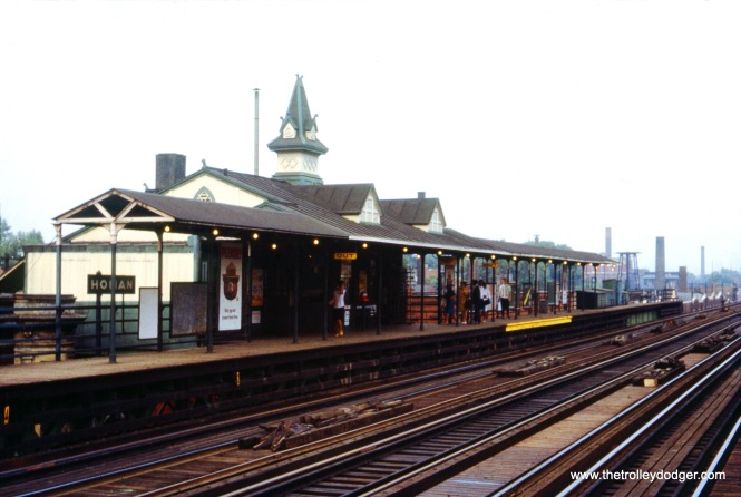 "The Homan station on the Lake Street ""L"" in August 1965. This station was closed as part of the 1990s semi-rebuild of the lake line, and was then moved a few blocks to become the Garfield Park Conservatory station."