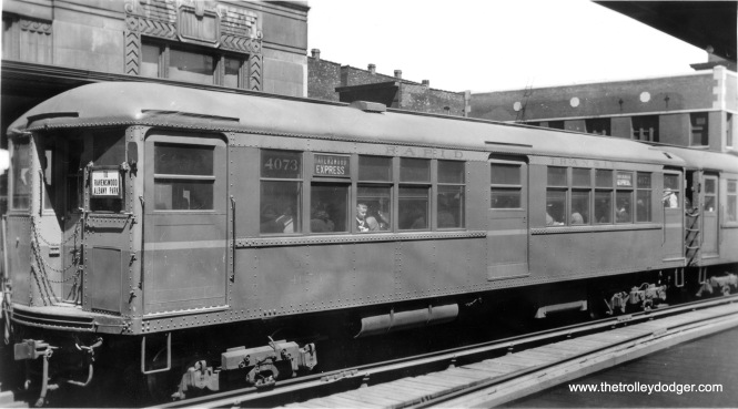 "A Ravenswood Express with 4000s, including ""Baldy"" 4073, at the Merchandise Mart station circa 1940. From 1943-49, Ravenswood trains went downtown via the State Street Subway."