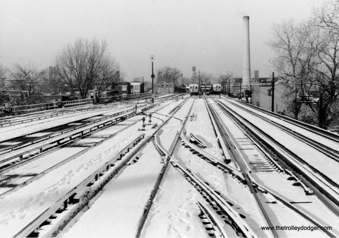 "The view looking west from Racine on the Englewood ""L"" branch on November 3, 1955. The Loomis Terminal is in the distance."