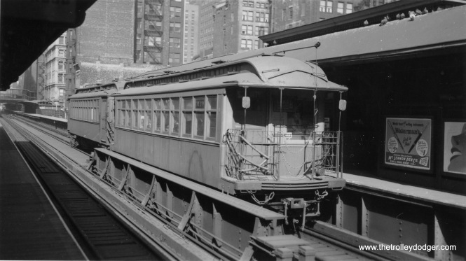 "The front car here is 3139 on this Lake Street ""L"" train at Quincy and Wells."