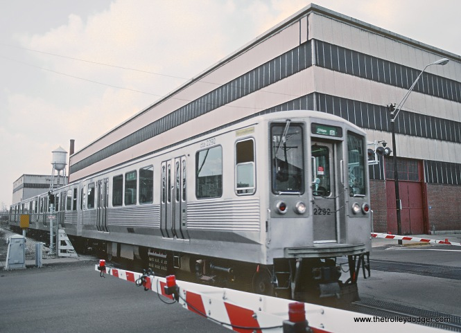 CTA 2292 at Laramie on the Douglas (Pink) Line in April 1985